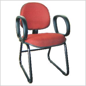 Cadeira executiva sky com braço corsa na cor vermelha